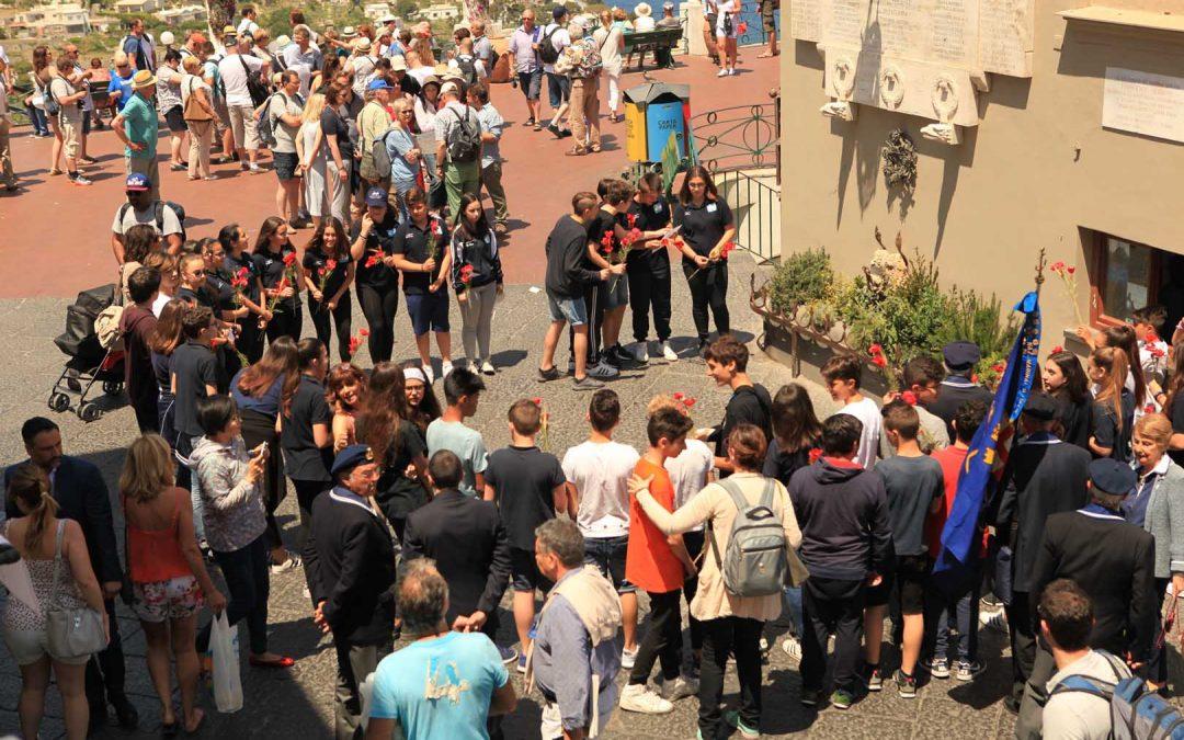 Gli studenti della scuola Ippolito Nievo ricordano i caduti in guerra