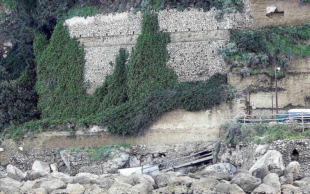L'esedra della Villa a Mare di Tiberio a Capri