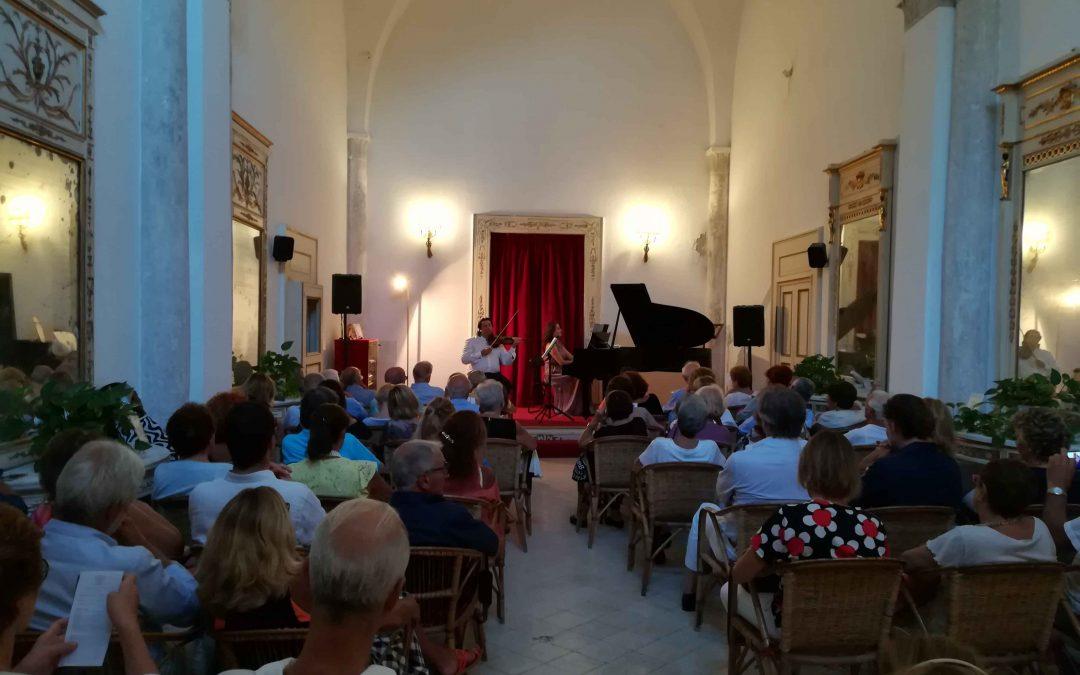 Foto del Grand Duo Italiano in concerto al Centro Caprense il 12 agosto