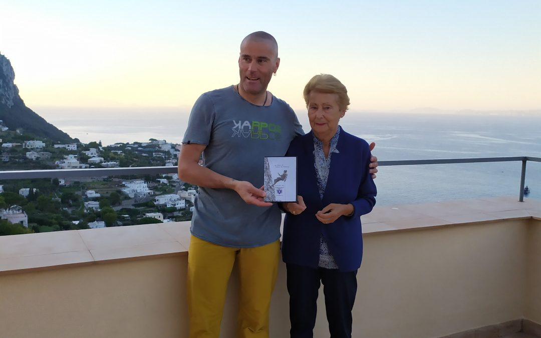 La guida alpina Marco Confortola in visita al Museo Ignazio Cerio